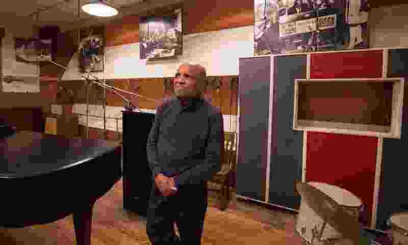 モータウン・レコードの創設者ベリー・ゴーディが89歳で引退を発表「モータウンの遺産は音楽には肌の色など関係ないということを思い出させてくれる」Publishedon9月26,2019uDiscovermusic年9月22日にモータウン・レコードの創設者ベリー・ゴーディが89歳で引退することを発表し、ファンや仲間たちが敬愛の念に一体となっている